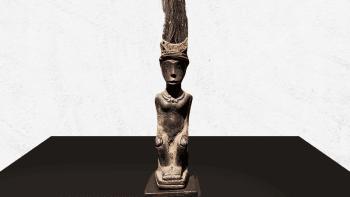 Statue personnage royal de...