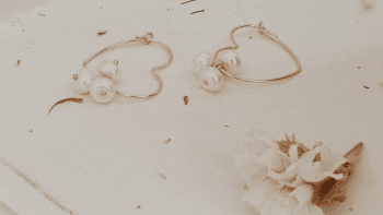 Boucles cœur de perles