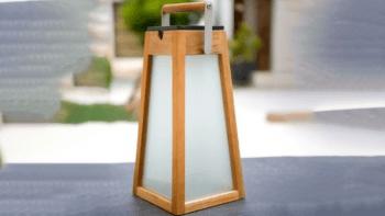 Lanterne Solaire en teck - autonomie de 5 à 200 heures