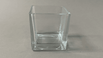 Vase cube en verre