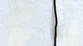 Rideau en lin lavé Milk avec bourdon noir tout autour