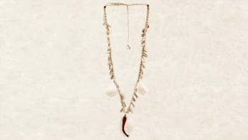 Grand Collier de Coquillages blancs de Cowrie