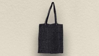 Sac Tote Bag fond noir...