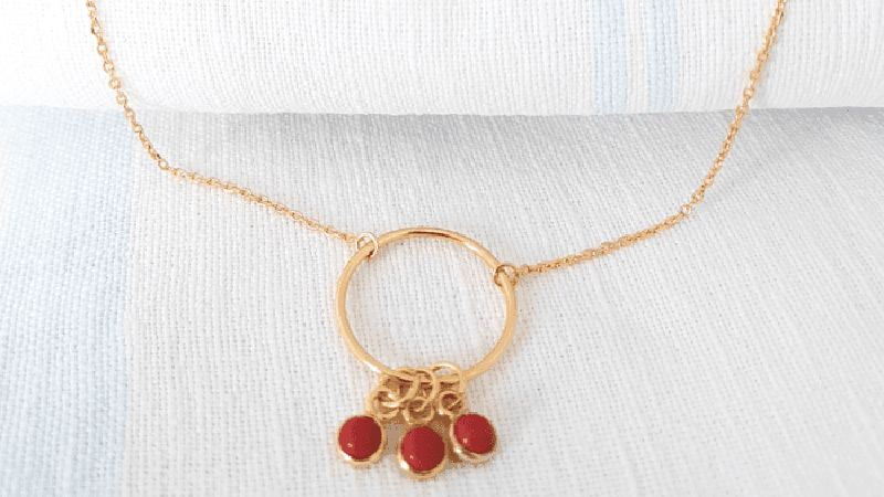 Collier cercle et corail