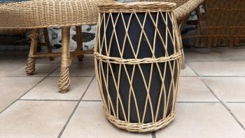 tabouret-ceramique-osier-noir-cote-maison-interieur-3